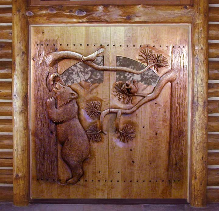 Bear Door Eating Honey : door carving - pezcame.com